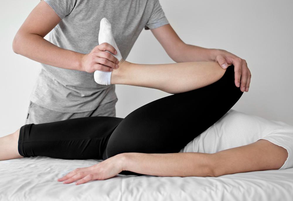 Kinetoterapie Clinica Recuperare Medicala Medliv Ploiesti. Ruptura ligamentului incrucisat anterior, Ruptura de menisc, Sutura de menisc